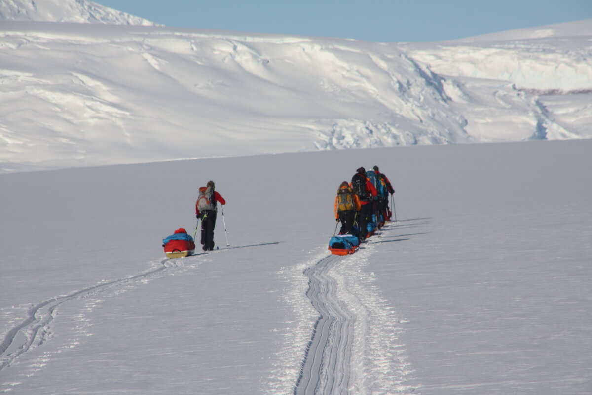 Team pulls sleds up lower Axel Heiberg Glacier