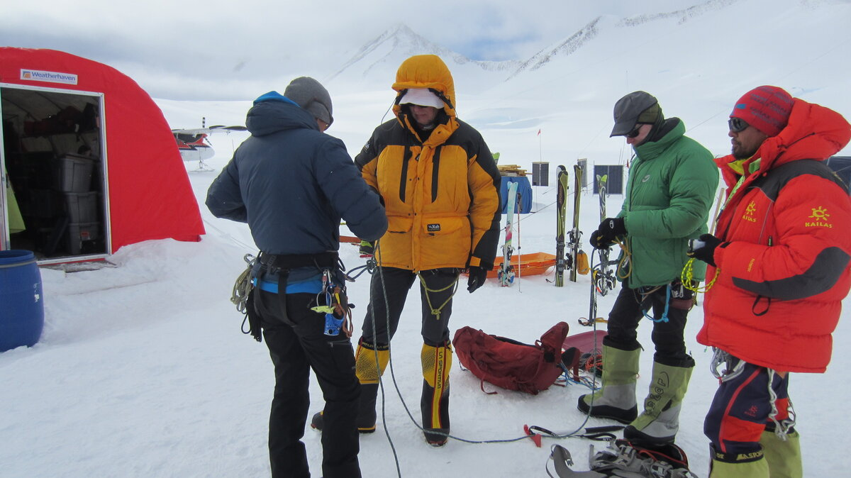 Reviewing glacier travel procedures
