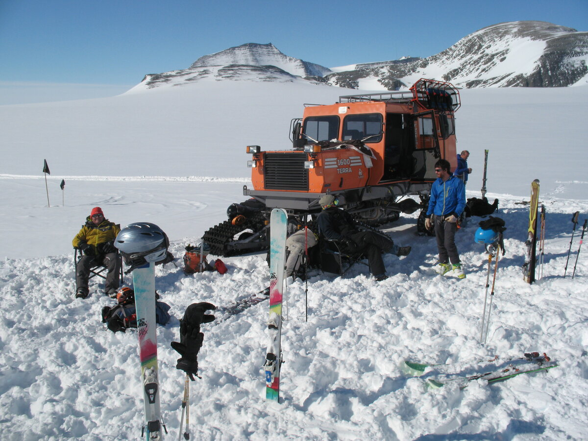 Ski Antarctica field camp in Larson Valley