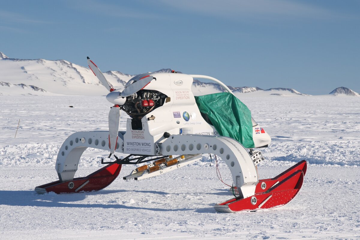 Bio-inspired vehicle of the Moon-Regan Transantarctic expedition