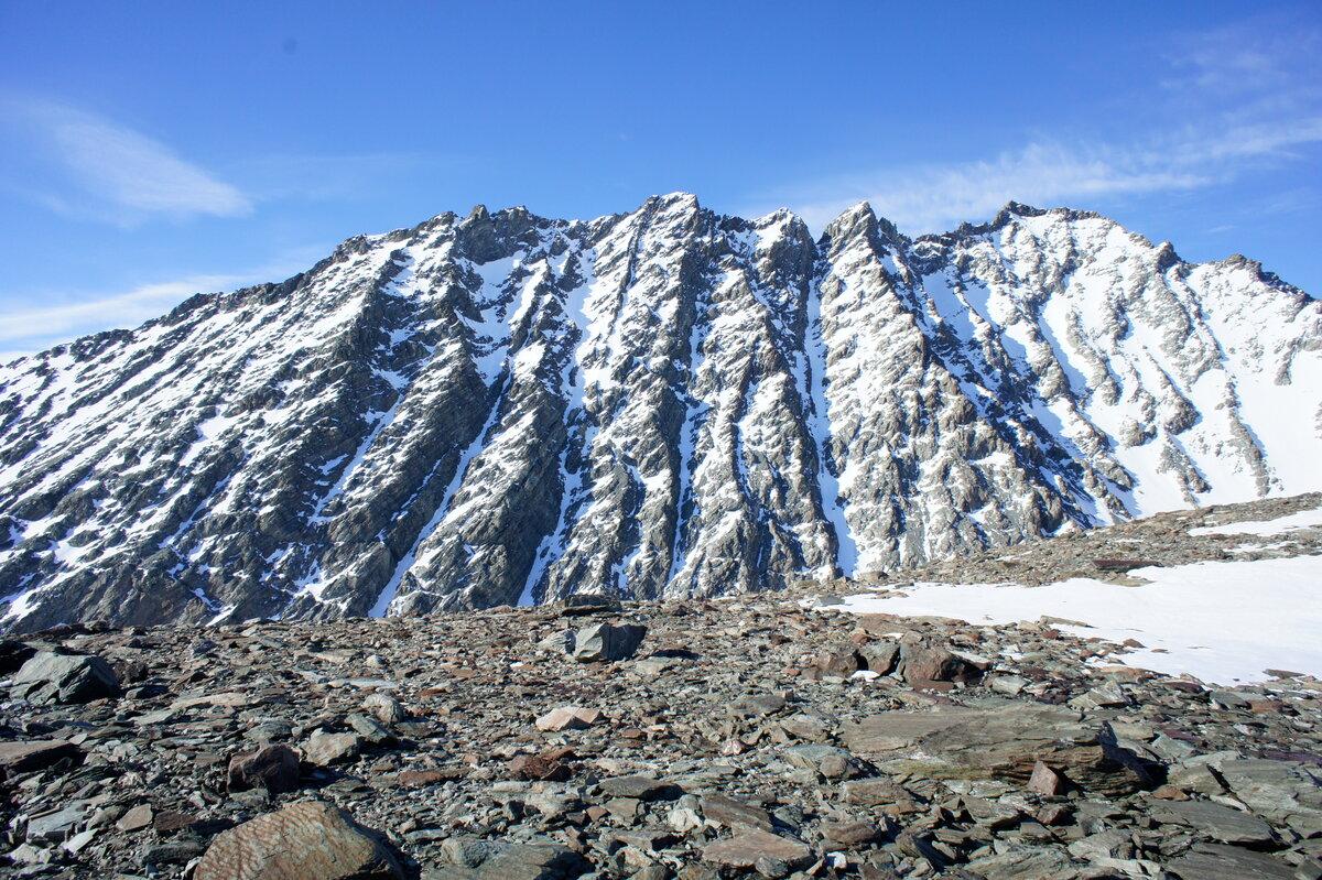 Mount Dolence dihedrals