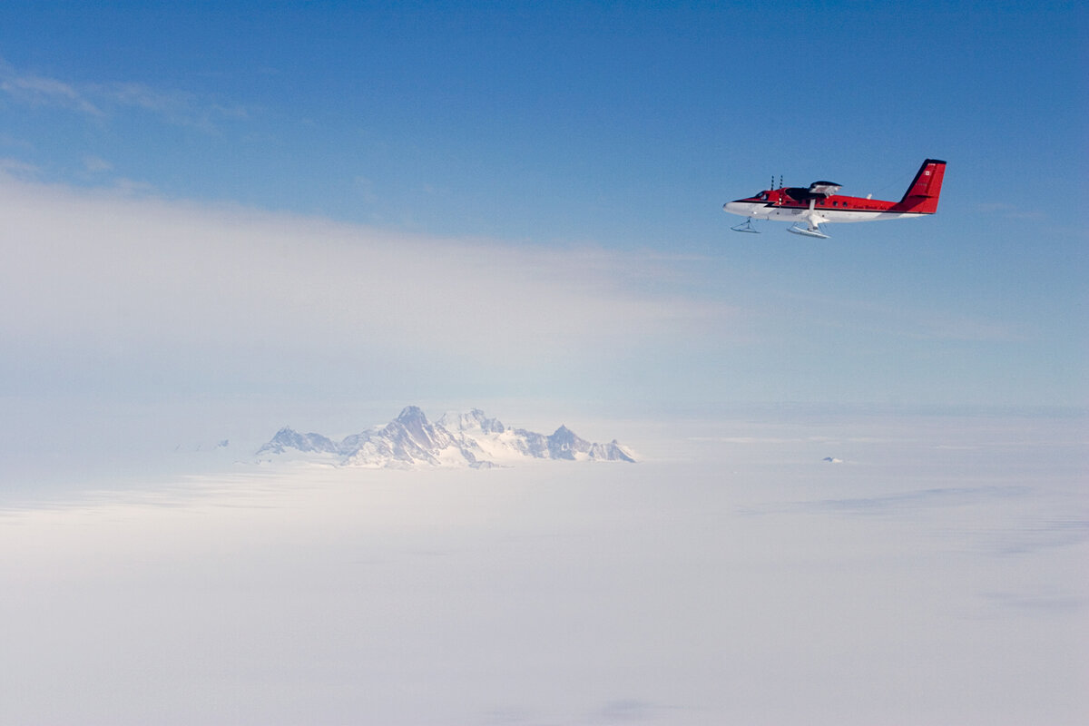 Twin Otter flies past Pirrit Hills, towards South Pole