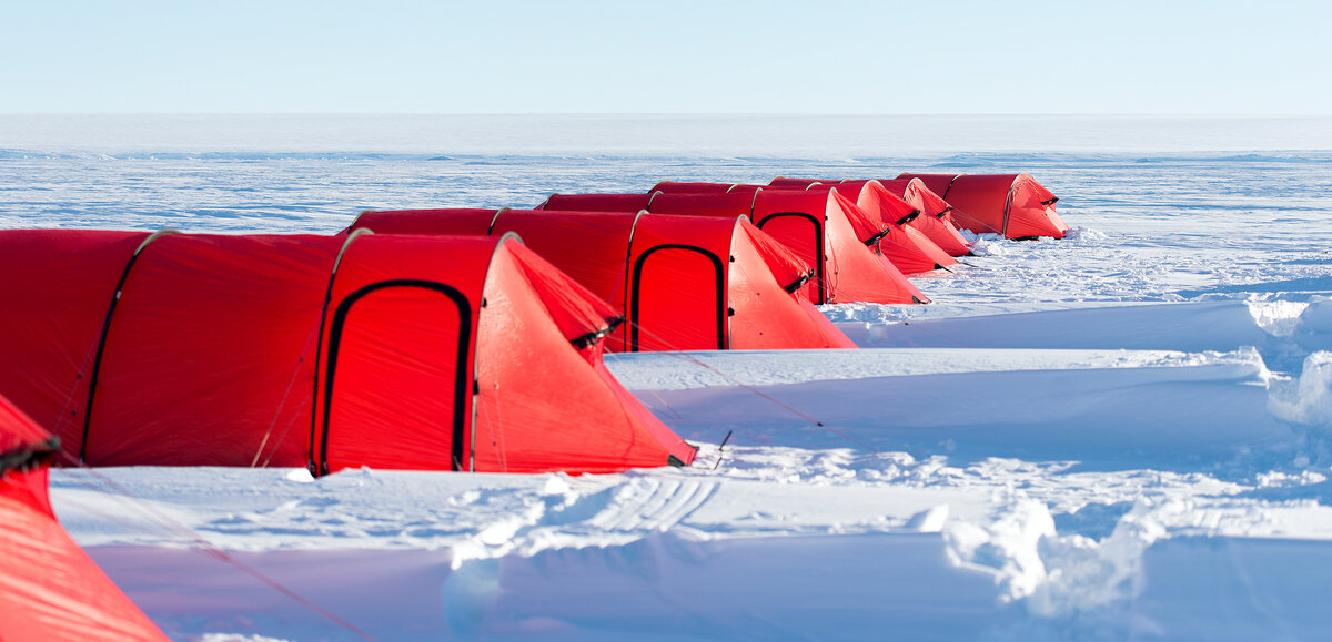 Expedition field tents