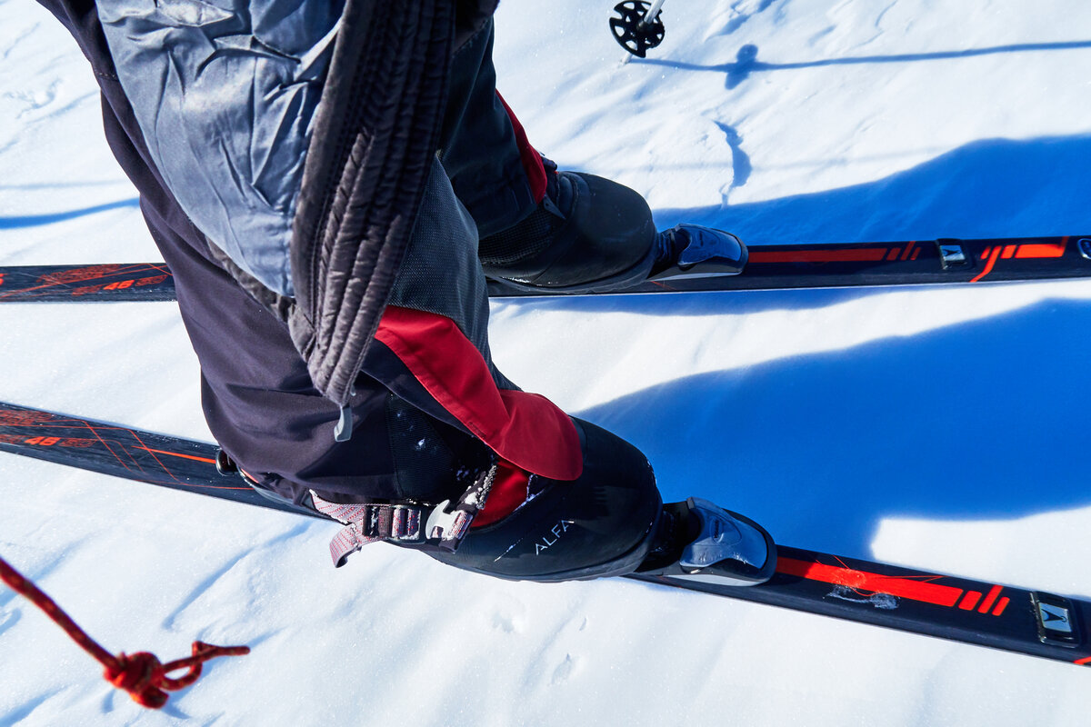 Skier's boot and binding set up